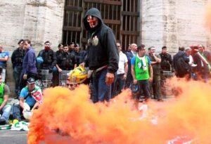 Alcoa: protesta operai davanti ministero Sviluppo