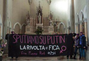 Violenza donne: protesta in chiesa contro Putin, 'Pussy Riot libere'